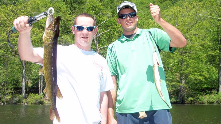mark and ryan chain pickerel fishing